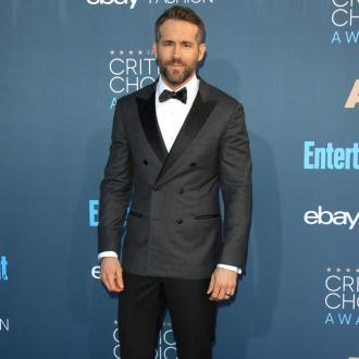 Ryan Reynolds caught in snow blizzard