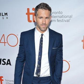 Ryan Reynolds: Jake Gyllenhaal is a better cook than my wife