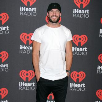 Sam Hunt Is Engaged To Girlfriend Hannah Lee Fowler