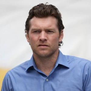 Sam Worthington Had Aniston Hair