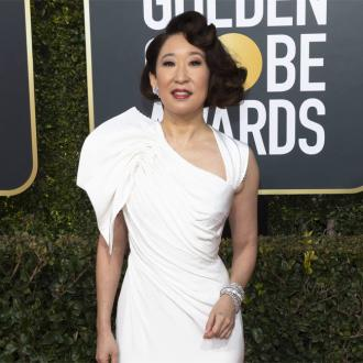 Sandra Oh wins Best Actress in a Drama