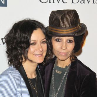 Sara Gilbert and Linda Perry split