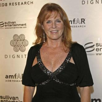 Sarah Ferguson defends Duchess Catherine