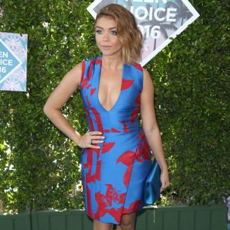 Sarah Hyland taught Ariel Winter body confidence