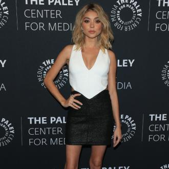 Sarah Hyland works out naked