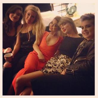 Sarah Hyland Celebrates Birthday With Taylor Swift