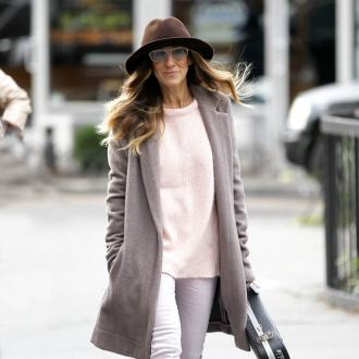 Sarah Jessica Parker auctions herself for Hurricane Sandy victims