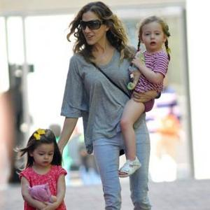 Sarah Jessica Parker's Baguette For Daughters