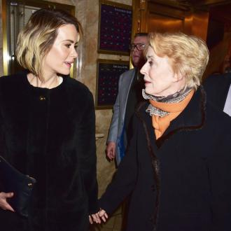 Sarah Paulson defends Holland Taylor age gap