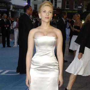 Scarlett Johansson Likes Toy Treats