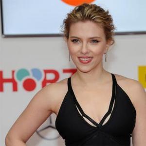 Scarlett Johansson Loves The Black Widow