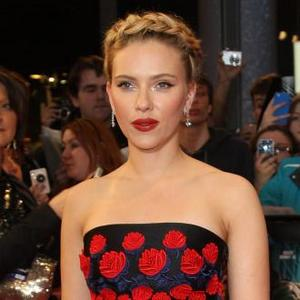 Scarlett Johansson 'Loses Control' Of Face While Filming