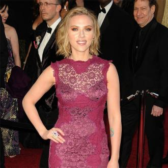 Scarlett Johansson 'Flirting' With Lindsay's Friend?