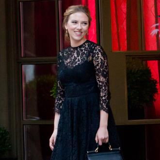 Scarlett Johansson Sells La Home