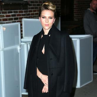 Scarlett Johansson Receives New Ring