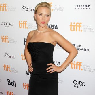 Scarlett Johansson Remembers Dating Problems