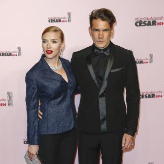 Scarlett Johansson Argues With French Husband In English