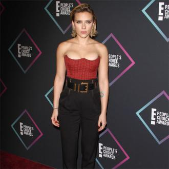 Scarlett Johansson dedicates award to Armed Forces