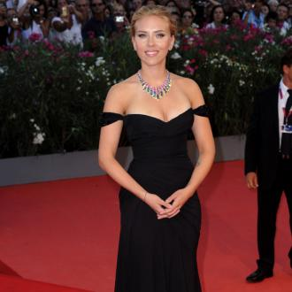 Scarlett Johansson Engaged To French Journalist