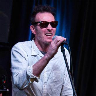 Scott Weiland's widow selling engagement ring
