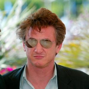 Sean Penn Didn't Want 'Serious' Relationship With Scarlett
