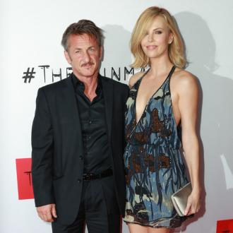 Sean Penn quits smoking for Charlize Theron