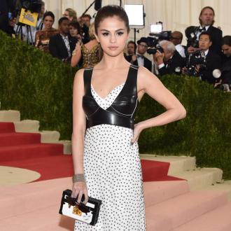 Selena Gomez sleeps in a 'sweat bed'