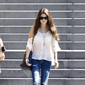 Selena Gomez Buys 2.9m Home