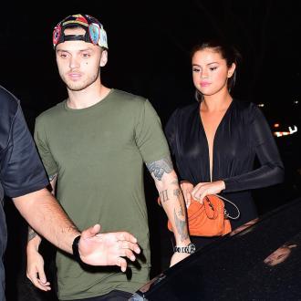Selena Gomez dating Alexander DeLeon