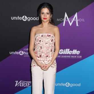 Selena Gomez Wins Humanitarian Award