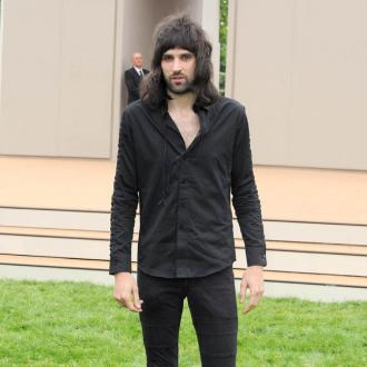 Serge Pizzorno Listened To Audiobook With Noel Fielding To Prepare For Glastonbury