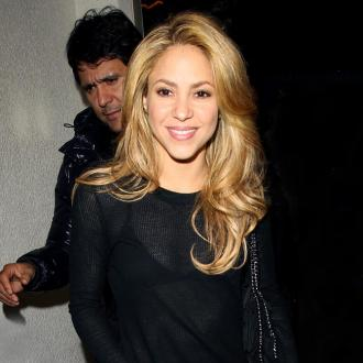 Shakira Learns To 'Simplify'