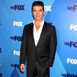 Simon Cowell Has Oxygen Tank To Keep Young