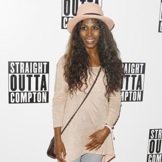 Sinitta Promises 'Juicy' Autobiography