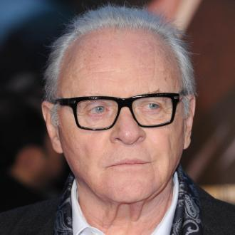 Anthony Hopkins: Chris Hemsworth eats tuna cans