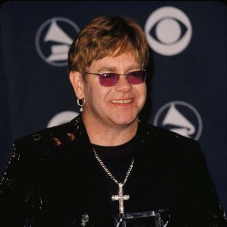 Sir Elton John postpones German shows
