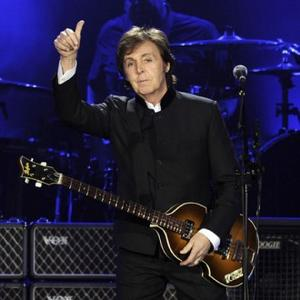 Paul Mccartney Lays Wreath For Whitney Houston