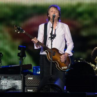 Rihanna perfroms with Sir Paul McCartney at Desert Trip
