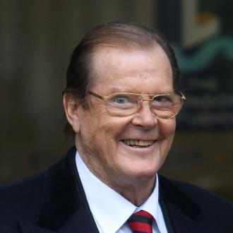 Sir Roger Moore Quits Drinking