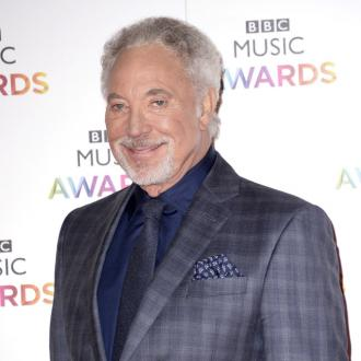 Sir Tom Jones can't sing without wife
