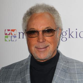 Tom Jones dating Priscilla Presley
