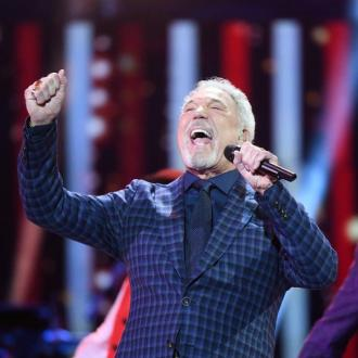 Sir Tom Jones makes 'strong' return to stage