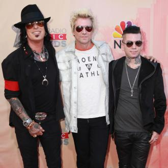 Nikki Sixx quits Facebook