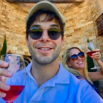 Skylar Astin and Anna Camp return to wedding venue for 10-month anniversary