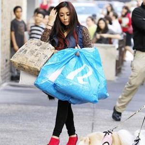 Snooki Put On Make-up For Birth