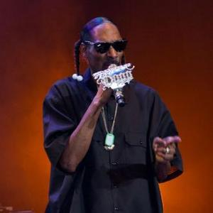 Snoop Dogg Appears On Willie Nelson Album