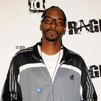 Snoop Dogg's dream party involves David Beckham and Simon Cowell