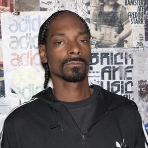 Snoop Dogg Detained For Marijuana Possession