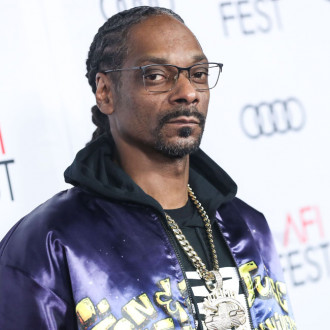 Snoop Dogg hailed for his boxing commentary