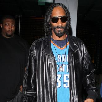 Snoop Dogg Gets Close To Playboy Model?